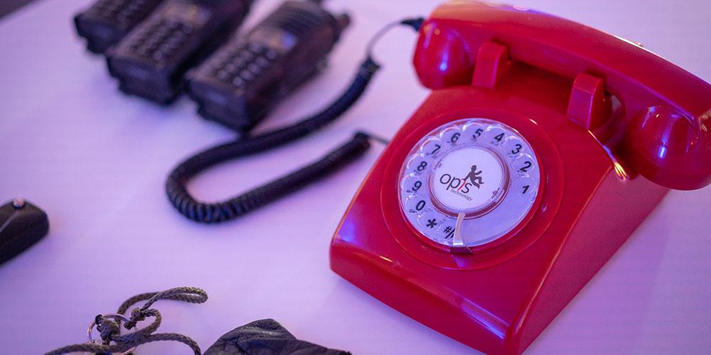Rotes Wählscheibentelefon